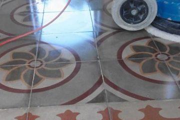 איך לחדש רצפה ישנה, הברקת מרצפות